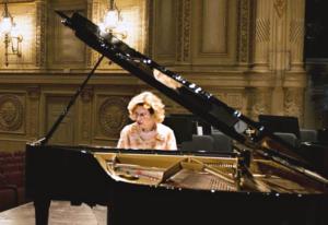 Sara Davis Buechner on Being a Transgender Concert Pianist Savvy Tokyo